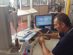 LMPsrl uses Synergy 3000 Web SPC software to take measurement.